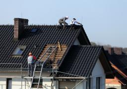 Travaux d'entretien de toit